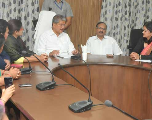 CM-decides-to-cut-back-on-own-salary-for-people's-welfare