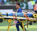 hardik-pandaya-strecher-injury
